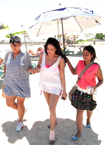 Veena-Malik-injured-in-Thailand-3