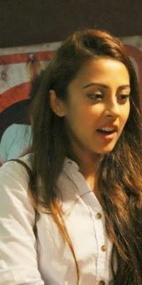 Zinda-Bhaag-Premiere-in-Karachi-7-200x400