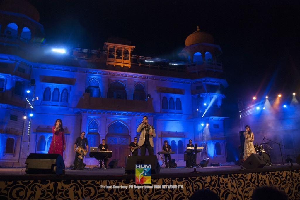 Mika-Singh-Karachi-Concert-Mohatta-Palace-2
