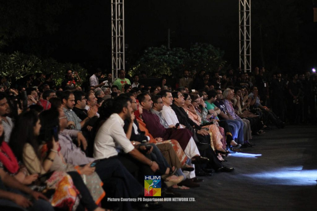 Mika-Singh-Karachi-Concert-Mohatta-Palace-22