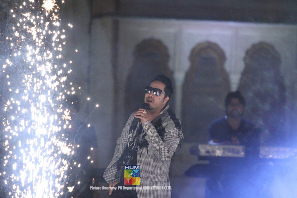 Mika-Singh-Karachi-Concert-Mohatta-Palace-7