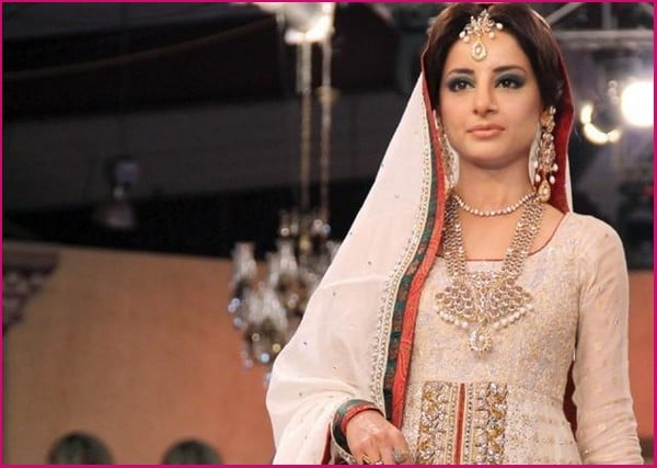 Designers-Dresses-Collection-At-Pantene-Bridal-Couture-Week-PBCW-2013-3