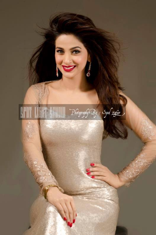 Saba qamar s latest photoshoot bold enough not to be missed