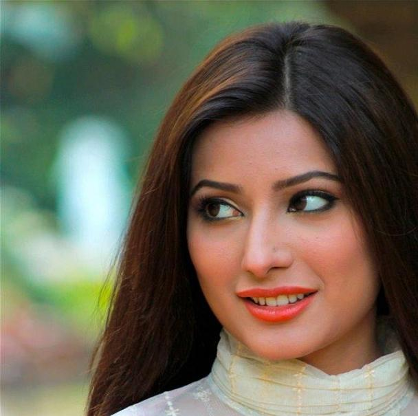Interview of mehwish hayat reviewit pk