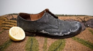 leather-boots-salt-stains-lemon