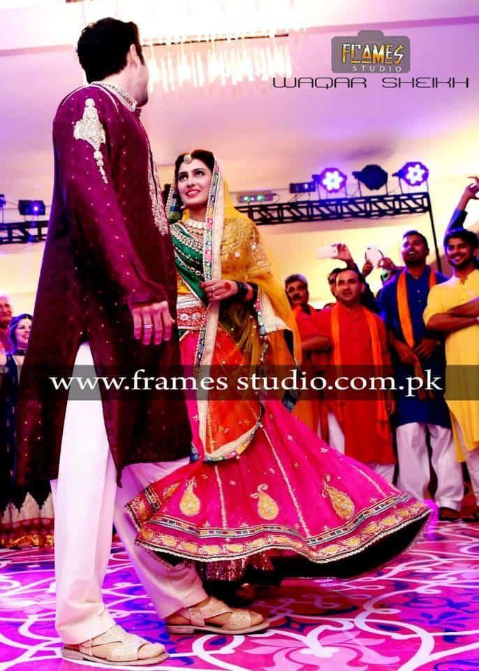 Mehndi Function Dance : Danish taimoor ayeza khan mehandi pics reviewit pk