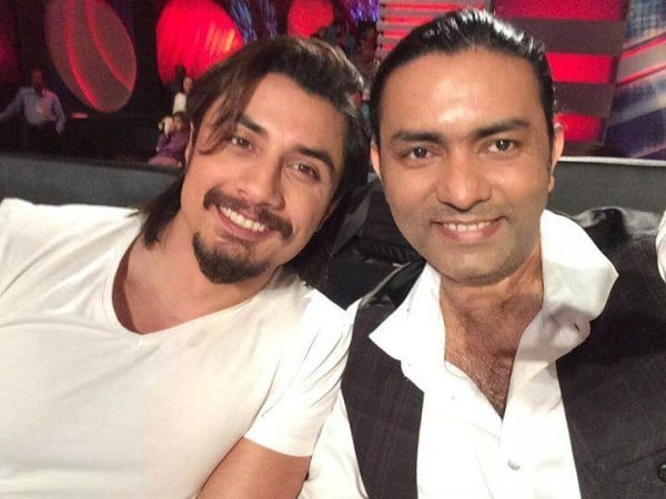 The Pakistan idol selfie