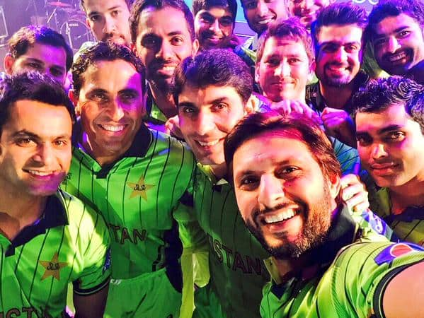Pakistan-cricket-team-unveiled-their-World-Cup-kit-2