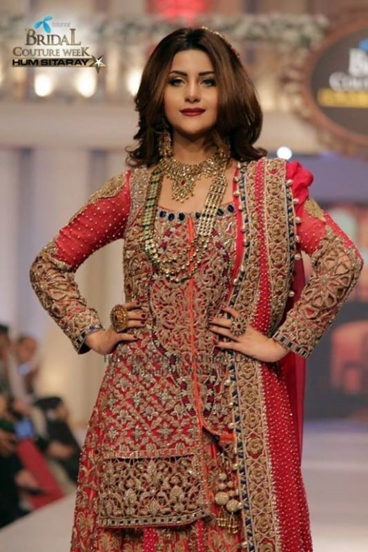 Celebrities at telenor bridal couture week 2015 tafreeh for Couture meaning in urdu