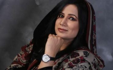 <b>Farhat Ishtiaq</b> Says Goodbye To Diyar-e-Dil - farhat-ishtiaq-370x230