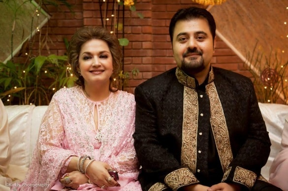 Pakistani Celebrities With Their Mothers Pakistani Drama