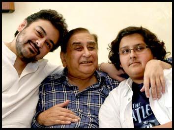 Family of Aqleem Akhtar Rani | Reviewit pk