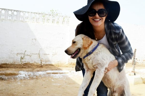 ayesha-with-one-of-the-shelter-dogs