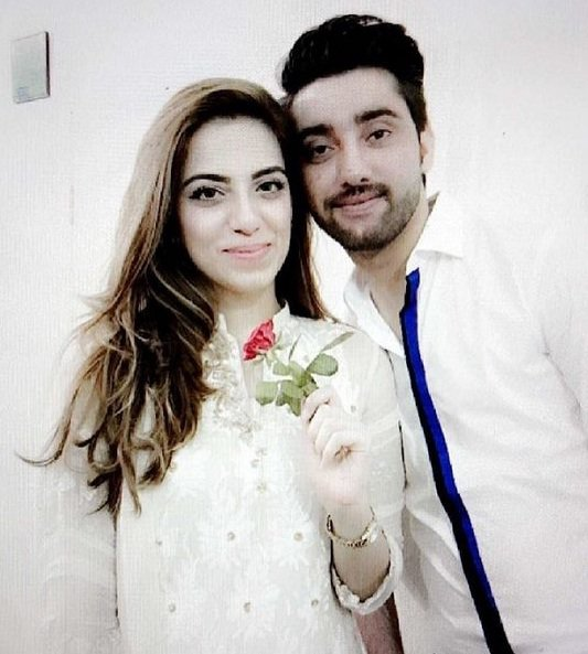Amanat-Ali-Wife-Sarah-Manzoor1