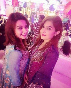 Amber-Khan-Daughter-Wedding-7-600x750