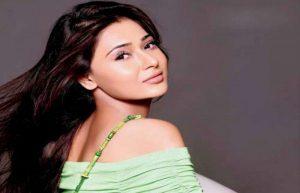 Indian-Actress-Sara-Khan-is-working-in-Pakistani-drama-Yeh-Kaisi-Mohabbat-Hai-600x386
