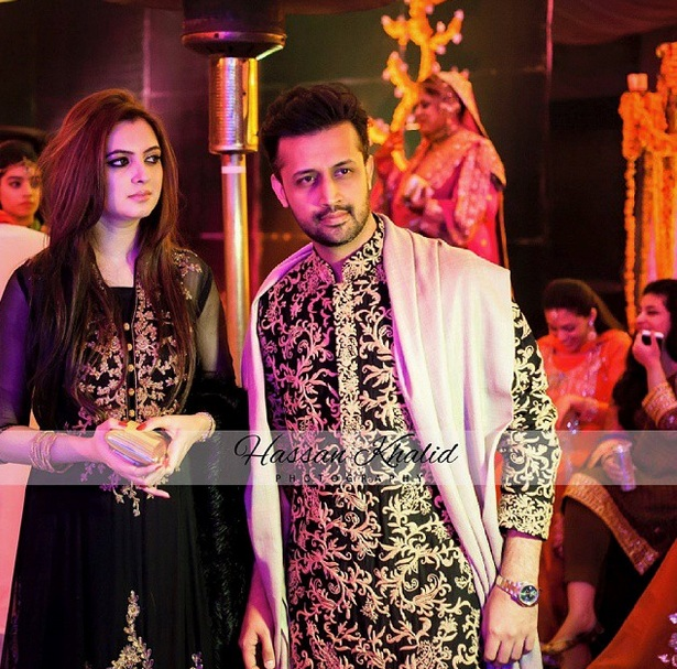 Atif Aslam Wife Sara Bharwana 20 Romantic Pictures Reviewit Pk Sara bharwana, age 32, was born on july 7, 1984, in lahore, pakistan. reviewit pk
