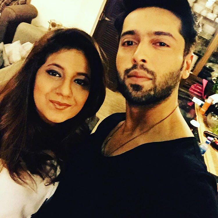 Fahad Mustafa Wife - 32 Romantic Pictures