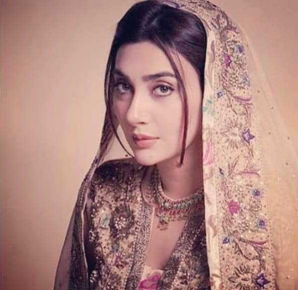 Ayesha Khan - Biography, Age, Dramas, Films, Pictures | Reviewit pk