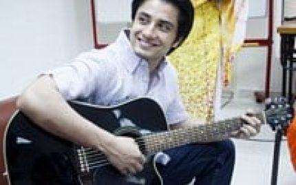 Ali Zafar Succeeded to be the 3rd Most Googled Singer in India!