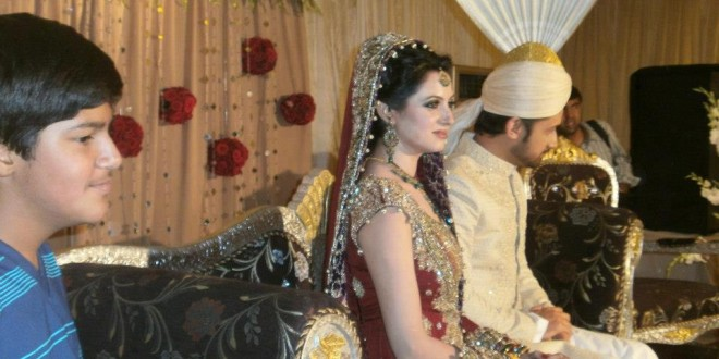 Atif-Aslam-Sarah-Bharwana-Barat-3-660x330