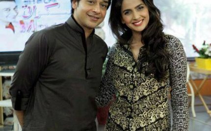 "Saba Qamar and Faysal Qureshi to star in Remake of Classic film ""Aaina""!"