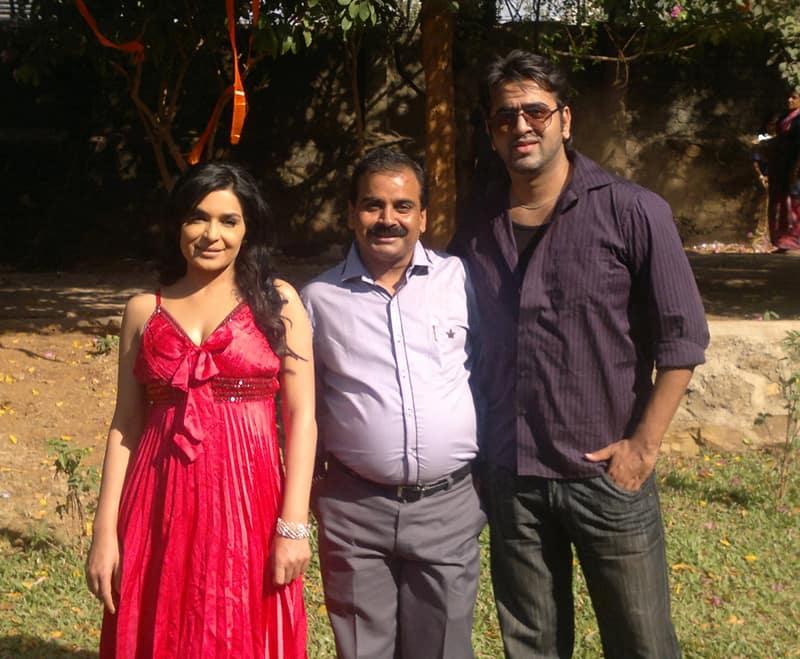 Meera director Ajay Yadav and Aryaman Ramsay at Ghubaar film shoot