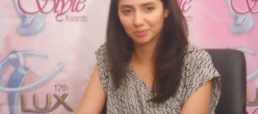 Mahira Khan Live Chat With Her Fans!