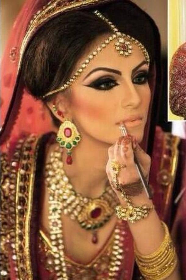 faryal bride pic