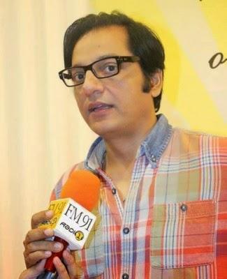 Zinda-Bhaag-Premiere-in-Karachi-13-325x400