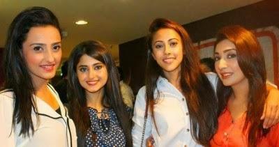 Zinda-Bhaag-Premiere-in-Karachi-16-400x211