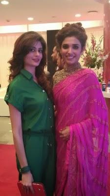 Zinda-Bhaag-Premiere-in-Karachi-23-225x400