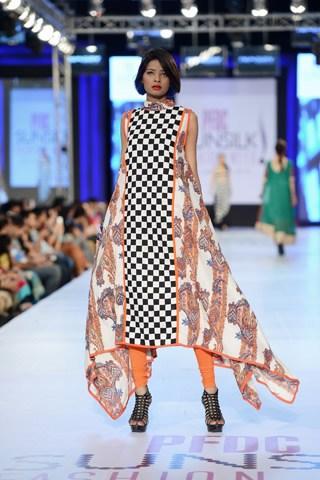 Nimsay-Collection-At-PFDC-Sunsilk-Fashion-Week-2013-0015