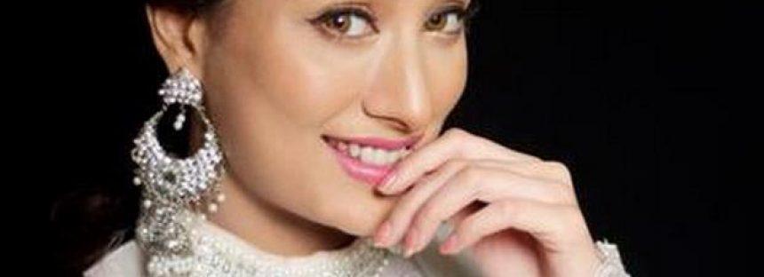 Mehwish Hayat's Elegant photoshoot