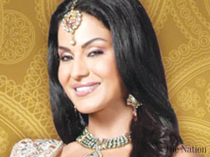 controversial-veena-malik-turns-singer-1333312559-1210