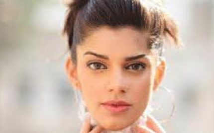 Sanam Saeed upset with a Private Channel for NOT Signing Her in an Upcoming Film