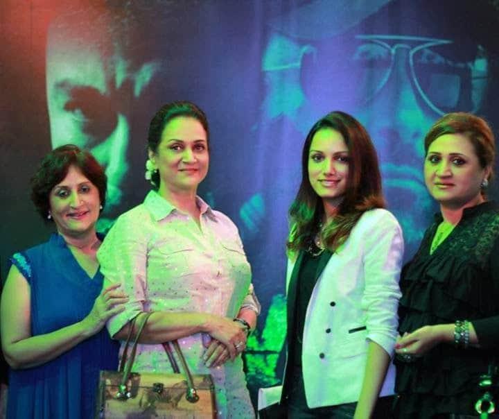 Bushra Ansari with her daughter Meera and sisters Asma Abbas and Sumbal