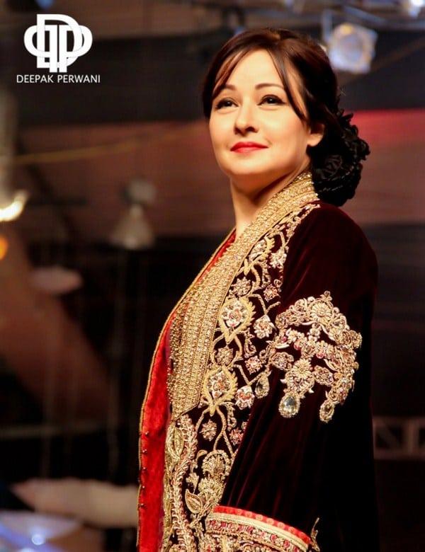 Deepak Perwani Bridal Collection At Pantene Bridal Couture Week 2013 0012