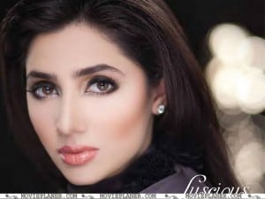mahira-khan-hd-wallpaper-2012
