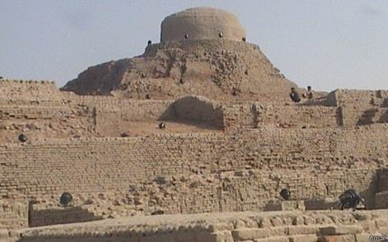 Sindh Festival under Criticism over temporary constructions in Mohenjo daro