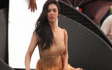 Sara Loren Signs Another Bollywood Film