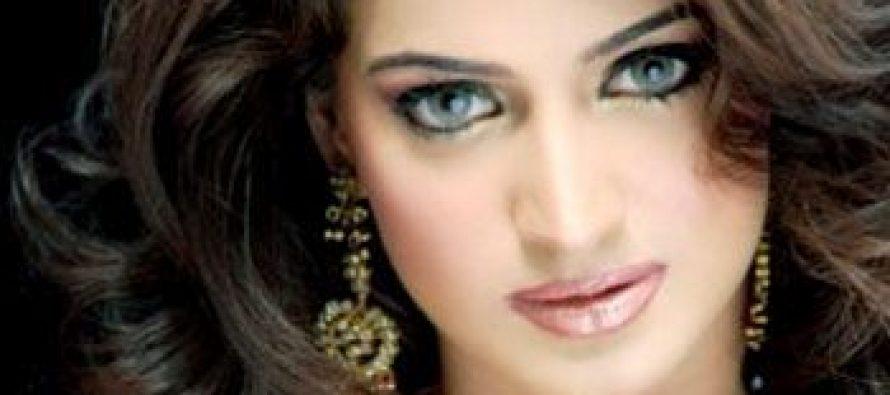 Noor selected as heroine in remake of Mola Jutt