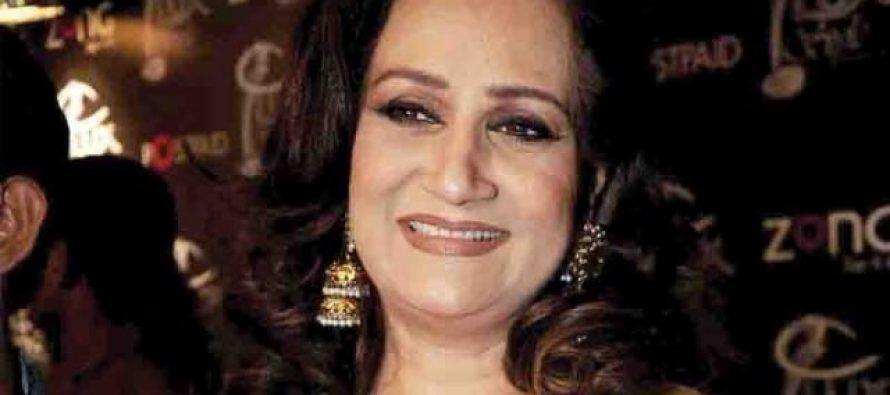 Bushra Ansari and Sangeeta as 'sautan' in tele film 'Defence Se Nagan Chorangi'