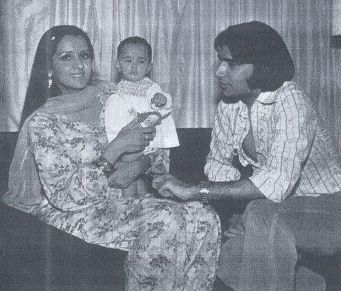 Rahat-Kazmi-Saira-Kazmi-with-daughter18740163_2012129235228