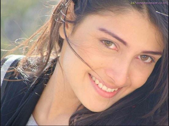 ayza khan1