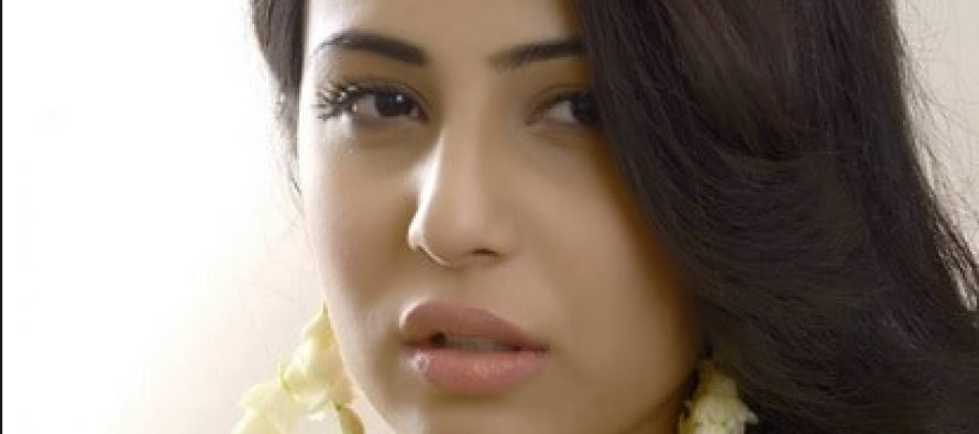 Ushna Shah Abuses Pakistanis For Being Hypocritical