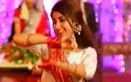 Sajjal Ali's Dance Sequence In Chupke Se Bahar Ajaye – Behind The Scenes Story