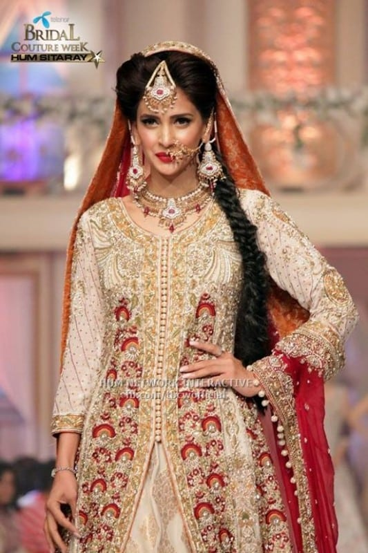 Celebrities-at-Telenor-Bridal-Couture-Week-2015-Day2-4-533x800