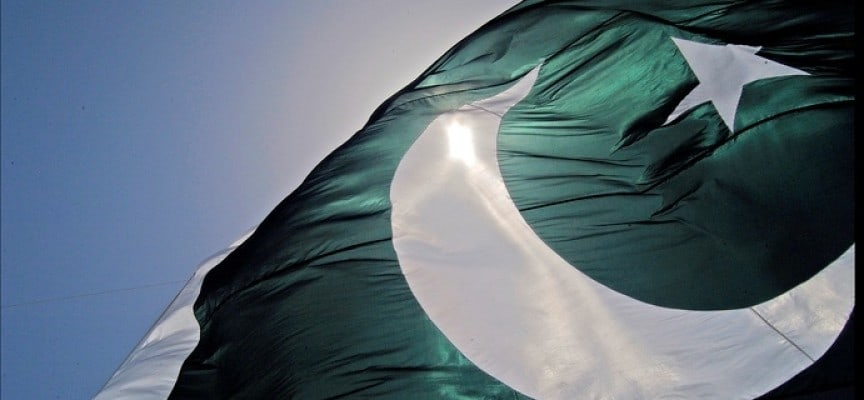 PakistaniFlag 864x400 c