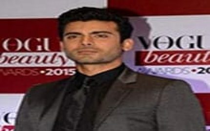 "Vogue Declares Fawad Khan As The ""Most Beautiful Man"" In India!"
